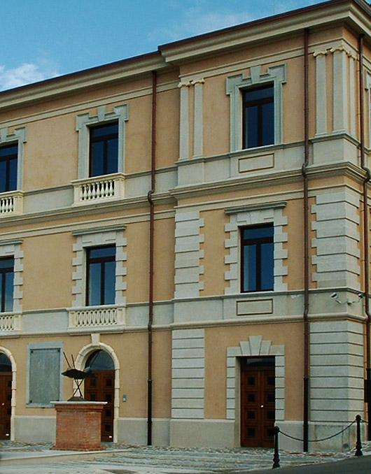 Cornici marcapiano m2 per facciate - Cornici finestre in polistirolo ...