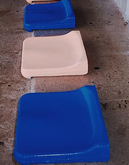 sedili per strutture sportive in cls